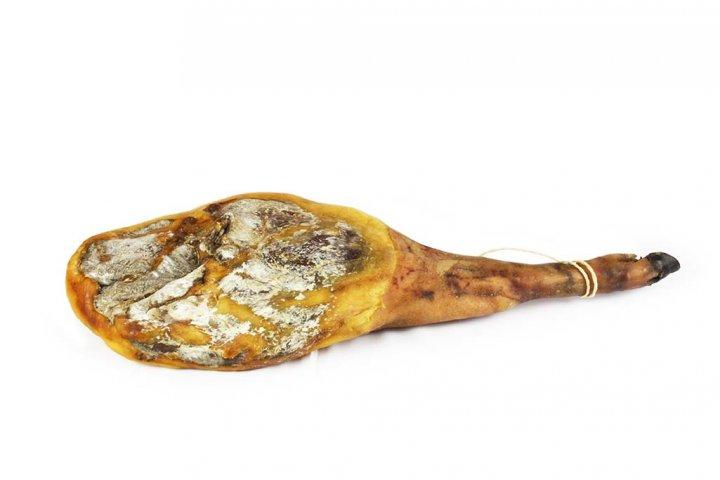 Mangalica met been niet opgekuist