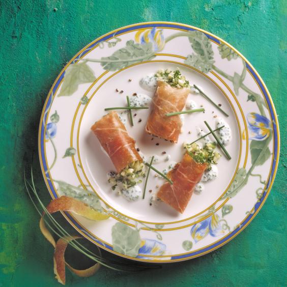 Bolletjes Ganda Ham met Schone van Boskoop, verse kaas en bieslook